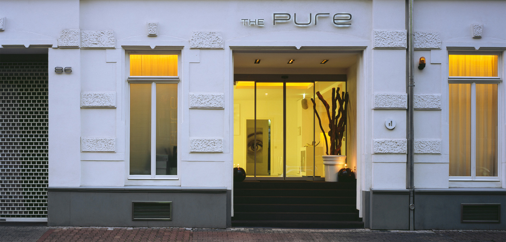 The pure design hotel frankfurt am main for Design hotel frankfurt